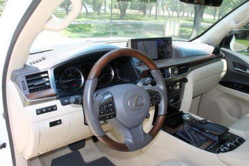 2016 Lexus LX 570 37